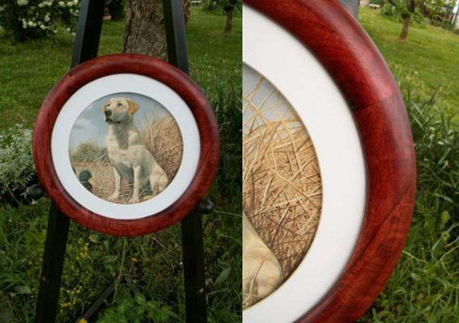 Red Stained Poplar Round Picture Frame