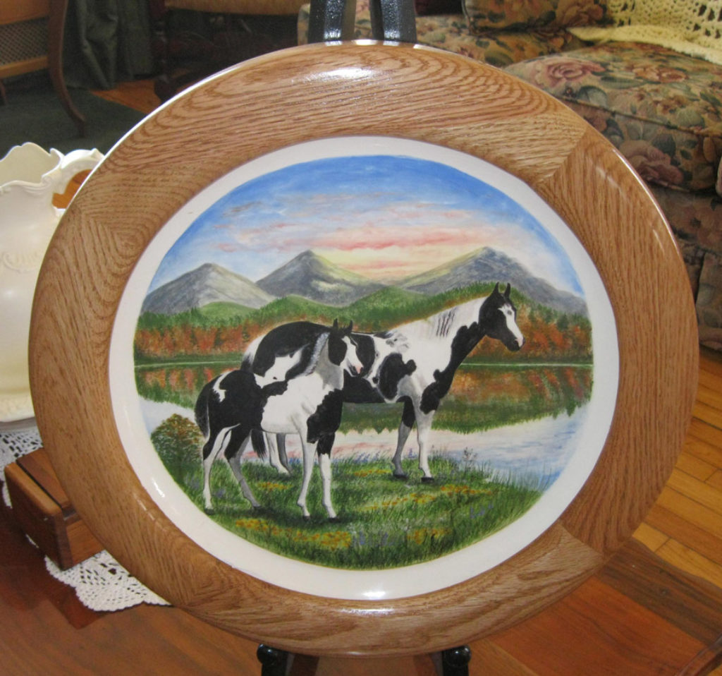 Round Frame Housing a Ceramic Plate