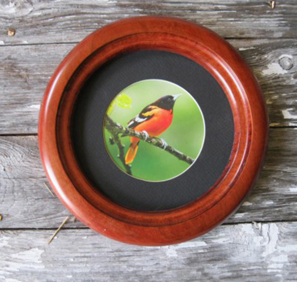 "Small Round Picture Frame with ""Inside Cove"" Profile"